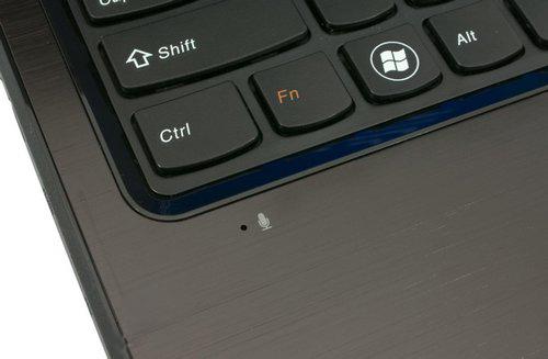 Где находиться микрофон на ноутбуке